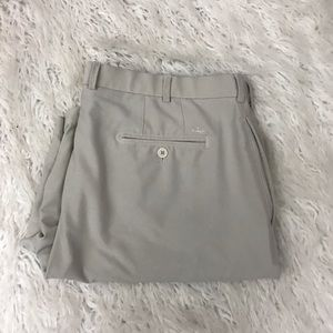 Peter Millar beige shorts size 40